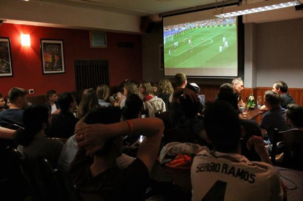 W trójmiejskich lokalach nie brakuje miejsc, które dają możliwość oglądania rozgrywek Ligi Mistrzów. Warto jednak dokonań wcześniejszej rezerwacji.