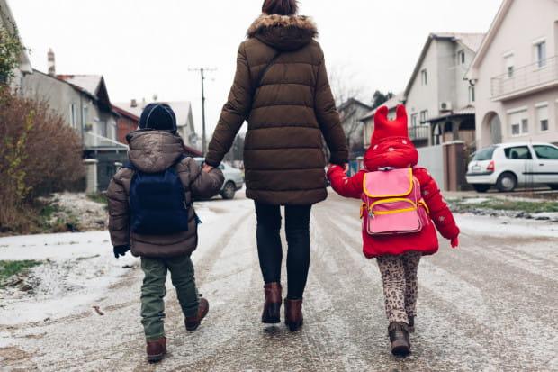 """Według założeń projektu """"Godzina na rodziny"""" skrócenie czasu pracy nie miałoby wpływu na wysokość wynagrodzenia pracownika."""