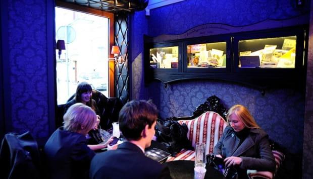 Cafe Factotum to przede wszystkim nieszablonowe wnętrze, ale także bardzo atrakcyjne menu.