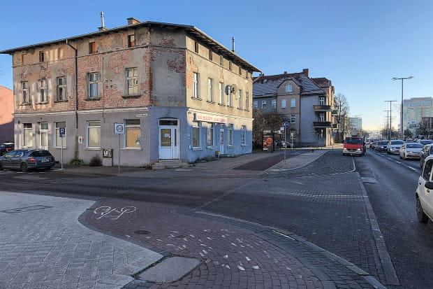 """W Oliwie, w miejscu, gdzie działał bar mleczny """"Biały Zdrój"""" powstanie nowy obiekt biurowy z restauracją."""