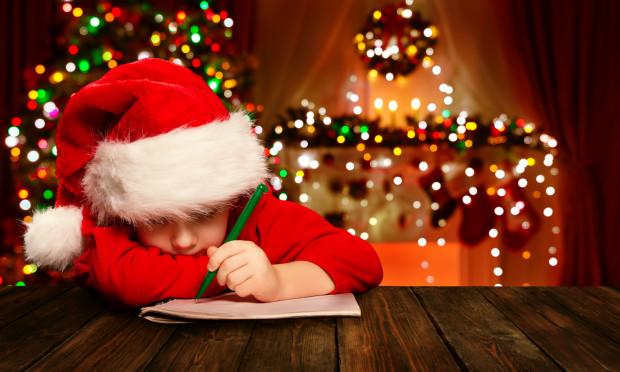 Aby nie popełnić gafy w wyborze upominku, najlepszym rozwiązaniem jest napisanie z dzieckiem - bądź namówienie go, by napisało samodzielnie - listu do Mikołaja.
