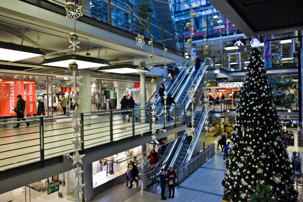 Niedziele handlowe przypadają 2, 16, 23 i 30 grudnia.