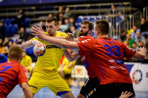 Szczypiorniści Energa Wybrzeża Gdańsk oraz Arki Gdynia zagrają ostatnie mecze w tym roku, a po zimowej przerwie wrócą do gry pod koniec stycznia.