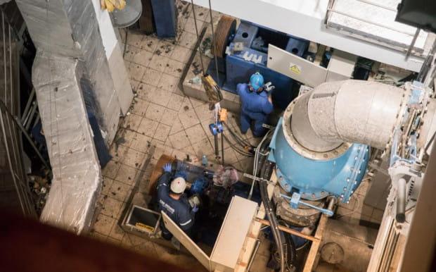 W maju po czterech dniach zrzutu ścieków do Motławy w przepompowni zamontowano pierwszy, sprowadzony z Holandii silnik. Z naszych informacji wynika, że nie przebudowano komory z silnikami w przepompowni i nadal wszystkie  znajdują się w jednym miejscu.