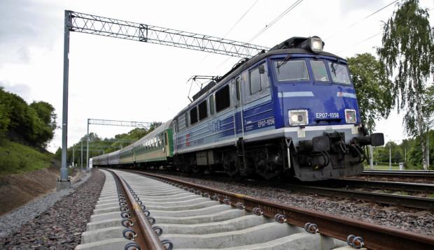Oprócz pendolino z Trójmiasta kursują pociągi dużo tańsze, czyli TLK z klasycznymi wagonami. Ich trasy mogą zadziwiać.