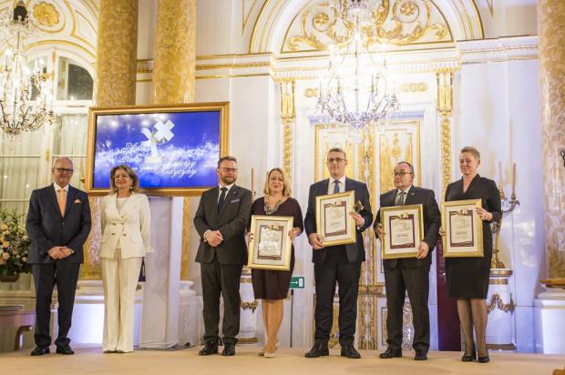 Gdański Uniwersytet Medyczny i Uniwersyteckie Centrum Kliniczne okazały się bezkonkurencyjne w tegorocznej edycji konkursu Sukces Roku 2018 w Ochronie Zdrowia - Liderzy Medycyny.