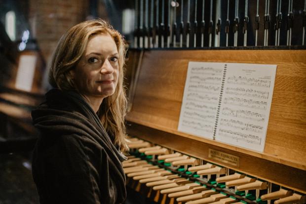 W piątek o godz. 14:45 na carillonie kościoła św. Katarzyny Monika Kaźmierczak zagra Epitafium dla Pawła Adamowicza skomponowane przez Katarzynę Kwiecień-Długosz.