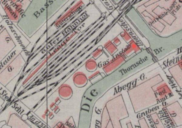 Odkryty zbiornik (czerwony punkt) na fragmencie mapy z 1910 r. znajdującej się w zbiorach PAN BG.