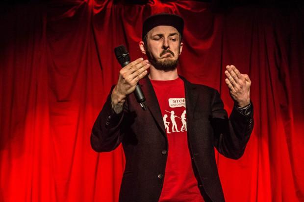 Adam Van Bendler promuje swoim nazwiskiem spotkania odbywające się w Gdyni, Gdańsku i Sopocie.