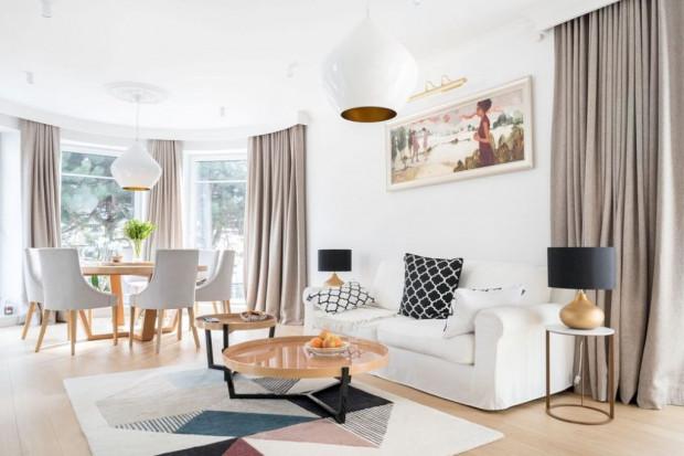 Poświęcony architekturze Festiwal Open House Gdynia pozwala zajrzeć do przestrzeni użyteczności publicznej oraz prywatnych mieszkań, umożliwiając konfrontację wyobrażeń z rzeczywistością. Fundacja Pura otrzymała na tę imprezę 45 tys. zł.