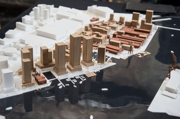 Już wiadomo, że ta wizja zabudowy terenów danej Stoczni Cesarskiej nie zostanie zrealizowana. Wojewódzka konserwator zabytków nie zgadza się na tak wysokie budynki. W zamian za to dopuszcza gęstszą zabudowę, niż pierwotnie planowano.