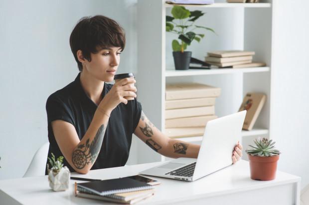 Tatuaże mogą być cennym punktem odniesienia dla rekrutera, który chciałby lepiej poznać kandydata.