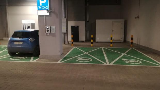 System inteligentnego magazynowania energii został uruchomiony na parkingu Galerii Metropolia.