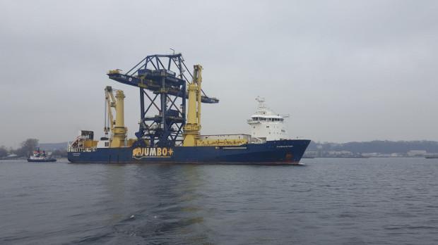 Ładunek po który Fairmaster przypłynął do Portu Gdynia to też kolos. Jest to suwnica, która ma prawie 60 m wysokości, waży około 1400 t.