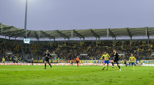 Trener Arki Gdynia uznał, że na takim boisku jego drużyna nie mogła pokazać swojego stylu gry.