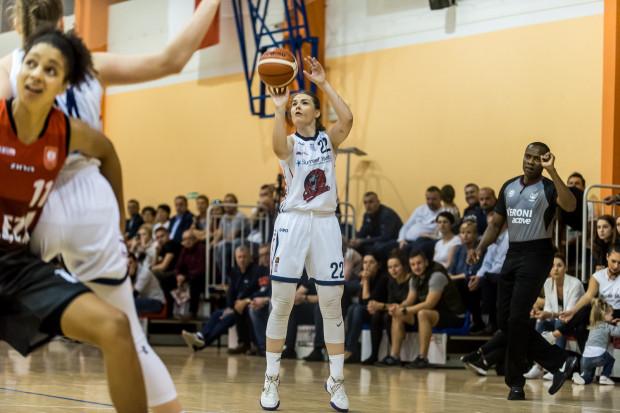 Gdyńskie koszykarki nie zdobędą medalu mistrzostw Polski juniorek po raz pierwszy od 2007 roku. O krążek dla Trójmiasta postara się jednak Natalia Gwizdała (na zdjęciu) i jej koleżanki z Politechniki Gdańskiej.