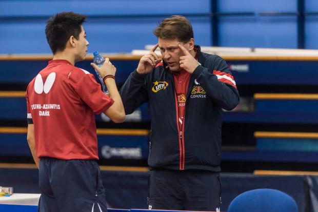 Piotr Szafranek, trener gdańskich tenisistów stołowych oraz najlepszy zawodnik Lotto Superligi - Wei Shihao.