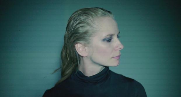 """""""Milczenie syren"""" z udziałem Magdaleny Cieleckiej to interdyscyplinarny projekt z pogranicza teatru, filmu i muzyki eksperymentalnej. 30 marca zobaczyć go można w Teatrze na Plaży w Sopocie."""
