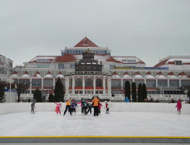 Wznowienie działalności lodowiska przy molo w Sopocie w tym sezonie jest mało prawdopodobne.
