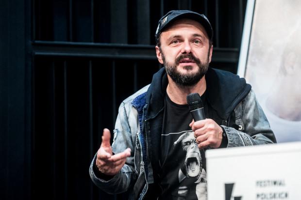 Arek Jakubik to nie tylko świetny aktor, ale również muzyk i autor tekstów. Zobaczyć go będzie można na żywo w Studio Panika 2 marca.