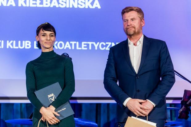 Anna Kiełbasińska i jej trener klubowy Michał Modelski.