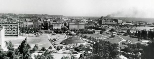 Zagospodarowanie terenu nie zmieniło się od lat, co widać na zdjęciach archiwalnych.