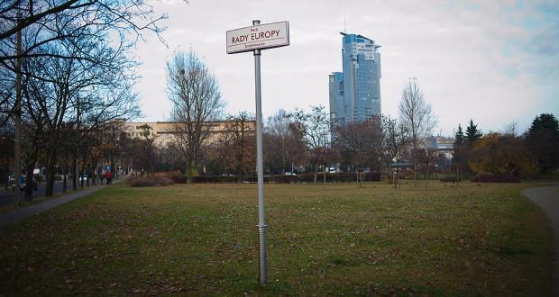 Park Rady Europy to ponad 2,2 hektara terenów.