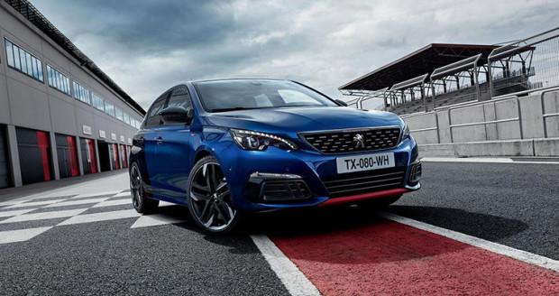 """W prezentowanej stawce hot hatchy Peugeot ma najmniejszą pojemność silnika. Z 1.6 """"wyciśnięto"""" aż 270 KM."""