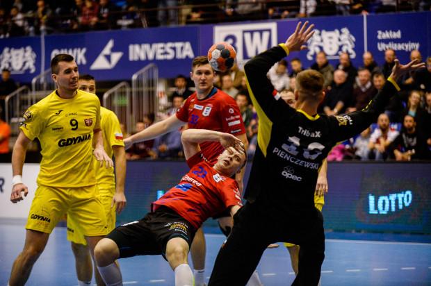 W Superlidze Trójmiasto reprezentują aż dwa zespoły. Arka Gdynia już od dłuższego czasu nie ma szans na więcej niż gra o utrzymanie a wygląda na to, że poza playoff znajdzie się także Energa Wybrzeże Gdańsk.