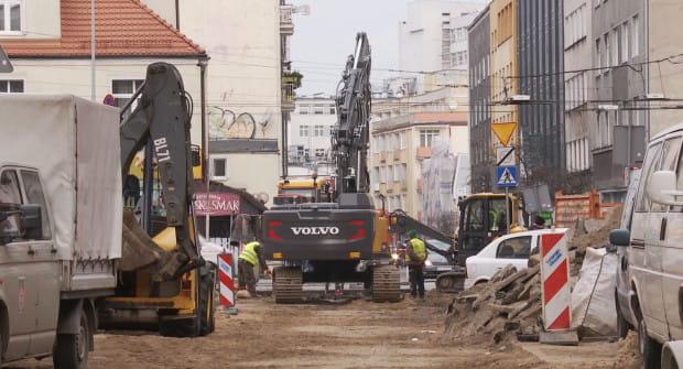M.in. ze środków budżetu obywatelskiego trwa modernizacja ul. Abrahama w Gdyni. To pomysł z 2016 roku.