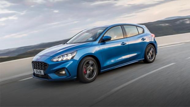 ST to nieco mniej napakowany brat RS-a. W nowej generacji montowane będą zdecydowanie mocniejsze silniki. To na pewno ucieszy fanów tego samochodu, którzy jednak na trójmiejską premierę będą musieli poczekać do połowy roku.