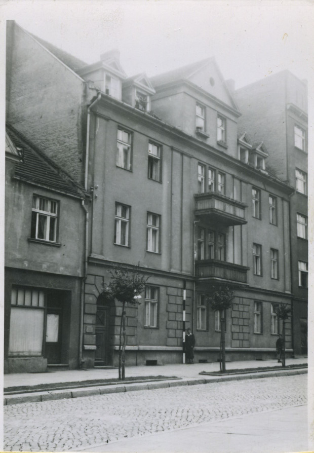 Kamienica zbudowana przez burmistrza Augustyna Krauzego, zdjęcie wykonane w latach 1940-1942. Ze zbiorów Muzeum Miasta Gdyni