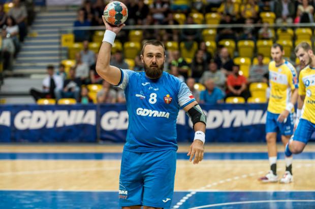 Arka kompletnie pogubiła się po przerwie meczu w Głogowie. Na zdjęciu Krzysztof Jasowicz, zdobywca pięciu bramek dla gdynian.