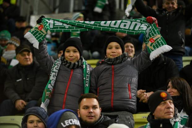 Wszystkie dzieci oraz uczniowie i studenci do 26. roku życia na mecz z Lechia - Piast mogą wejść za darmo.