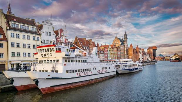 Katamarany z Gdańska do Helu wypłyną w pierwsze rejsy 26 kwietnia, a z Gdyni 25 kwietnia.