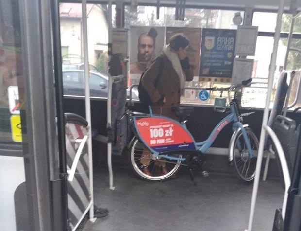 Warto zapoznać się z regulaminem i opłatami dodatkowymi w Mevo. Podróż komunikacją miejską z rowerem to kara w wysokości 50 zł.