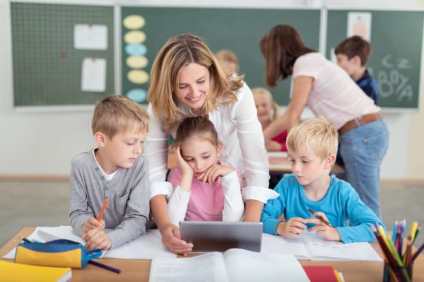 Ostatnia 5-procentowa podwyżka wynagrodzeń dla nauczycieli weszła w życie 1 stycznia 2019 roku.