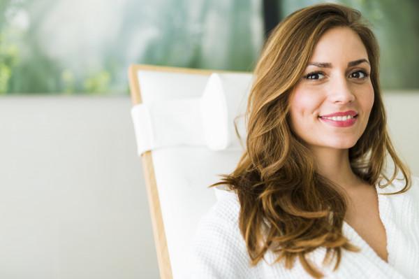 Zdrowy wygląd to połączenie odpowiedniej diety, aktywności fizycznej i przemyślanych zabiegów kosmetycznych.