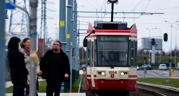 Od środy możemy nieco dłużej czekać na tramwaj czy autobus, bo według zaleceń związkowców prowadzący pojazdy GAiT mają jeździć zgodnie z przepisami ruchu drogowego, a nie z rozkładami jazdy.