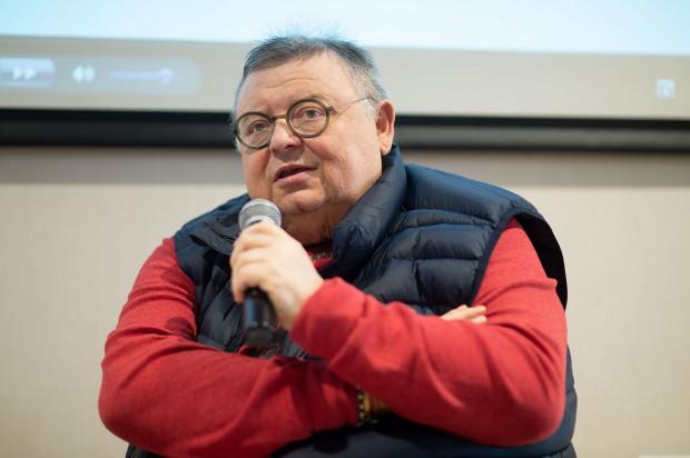 Spotkanie z Wojciechem Mannem - charyzmatycznym dziennikarzem, cechującym się niezwykłą erudycją i specyficznym poczuciu humoru, przyciągnęło tłumy jego wielbicieli.