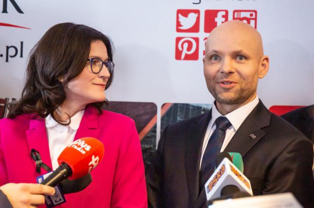 Nowy zastępca prezydent Gdańska ds. gospodarczych Alan Aleksandrowicz i prezydent Gdańska Aleksandra Dulkiewicz.