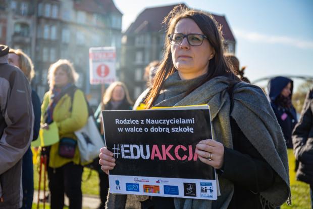 Na proteście pojawili się nie tylko uczniowie gdańskich szkół, ale ich rodzice popierający strajk.