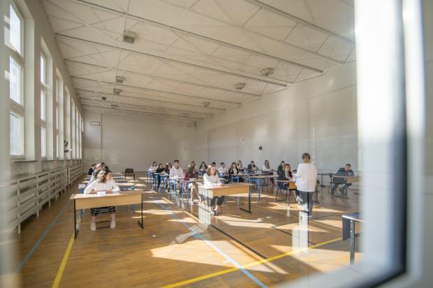 Egzamin ósmoklasisty w jednej z trójmiejskich szkół.