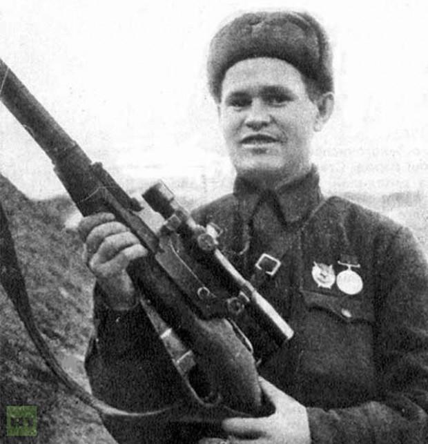 Rosyjski snajper Wasilij Zajcew