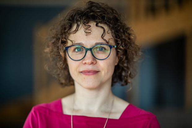 Pracujemy z młodzieżą i z dorosłymi. Trafiają do nas ludzie, którzy chcą się nauczyć śpiewać, ale też tacy, którzy chcą się nauczyć ładnie mówić - opowiada Agnieszka Kamińska.
