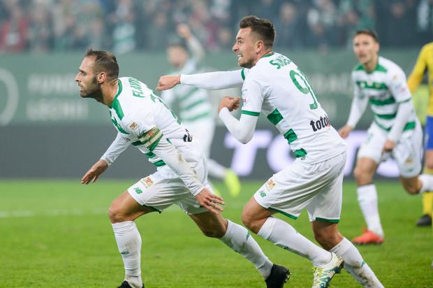 Przed Lechią Gdańsk osiem finałów. Artur Sobiech (z prawej) uważa, że dla jego gry nie będzie miał znaczenia fakt, iż o miejsce w ataku konkuruje już tylko z Flavia Paixao.