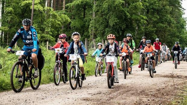 Kaszebe Runda Kids to rodzinny rajd rowerowy z dala od ruchliwych szos, przez Serce Kaszub