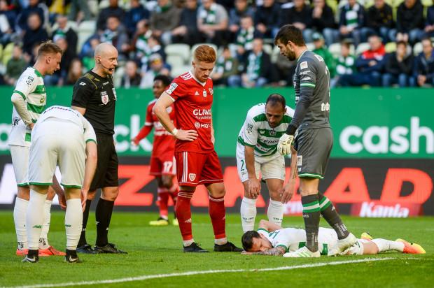Dwie porażki z rzędu do sytuacja jakiej Lechia wcześniej w tym sezonie nie zaznała. Czy biało-zieloni podniosą się przed ostatnimi meczami, które zadecydują o mistrzostwie Polski?
