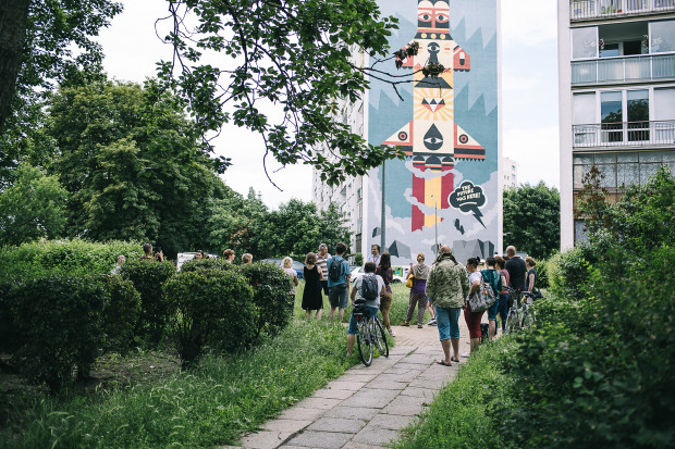 Jedną z atrakcji Dnia Wolnej Sztuki jest spacer śladem murali na Zaspie.