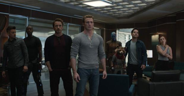 Rozbita i zdziesiątkowana ekipa Avengers jeszcze raz stanie do walki z Thanosem, który jednym pstryknięciem palców wyczyścił połowę istnień we wszechświecie.